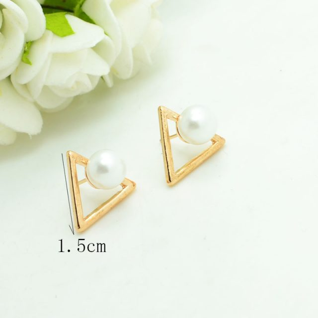 Triangle Earrings with Pearl