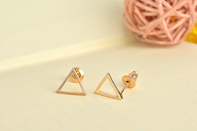 women-fashion-triangle-earrings-2