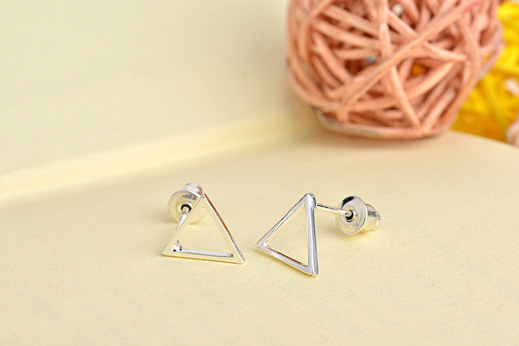women-fashion-triangle-earrings-3