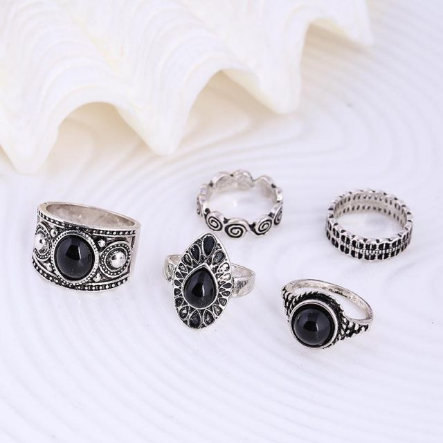 Vintage Rings with Black Stone Set