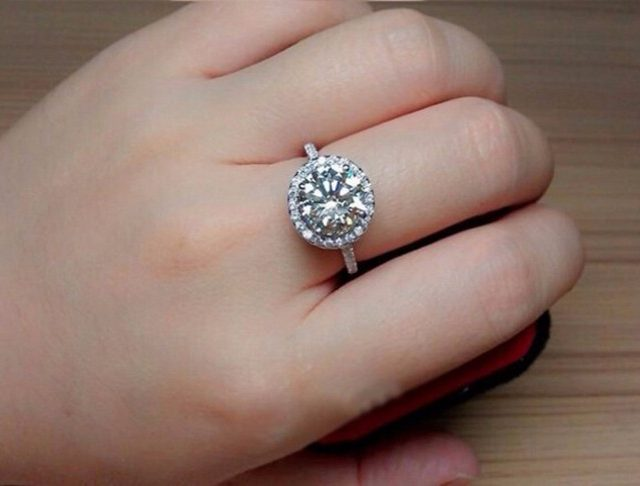 Classic Wedding Ring For Women