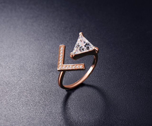 V Shape Ring With Cubic Zirconia Triangle